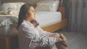 Lirik Lagu Tak Searah - Aaliyah Massaid